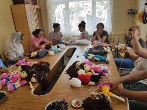 Çocuklar için organik oyuncak bebek