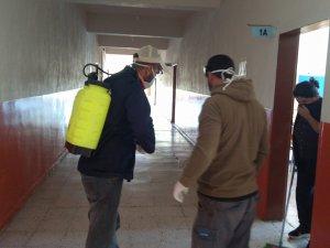 Hozat'ta okullarda ilaçlama çalışması
