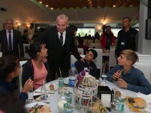 Başkan Osman Zolan, Dersimli çocukları ağırladı