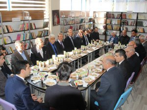 Çemişgezek'te Kitap Kafe törenle açıldı