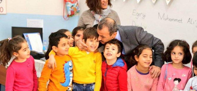 Vali Sonel'den Atatürk İlkokulu'na ziyaret