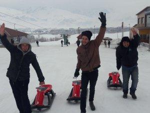 Özel çocuklar Ovacık'ta kayak keyfini yaşadı