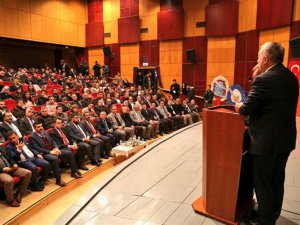 """""""Yeni Dünya Düzeni ve Türkiye İdeali"""" konferansı"""