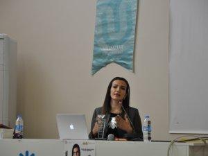 Yazar Emina Temel, öğrencilerle buluştu