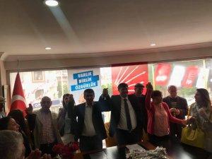 İşadamı Şaroğlu, CHP'den aday adayı oldu