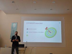 Üniversitede 'Beşeri Kapasitenin Geliştirilmesi' semineri
