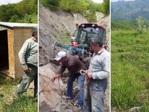 Köy yolunu kendi çabalarıyla açıyorlar
