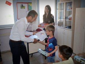Çemişgezek'te öğrenciler karnelerini aldı