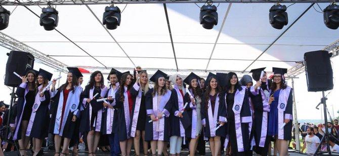 Munzur Üniversitesinde mezuniyet heyecanı