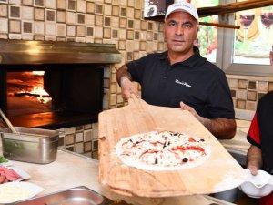 Ünlü Pizzacı Zeynel Arı, çocuklar için pizza yaptı  VİDEO HABER