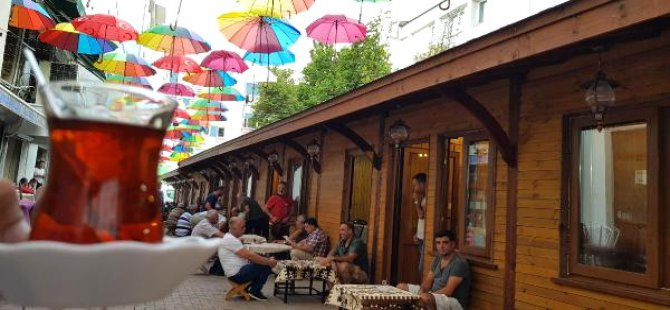 Çay ocakları sokağı, şemsiyeli sokak oldu