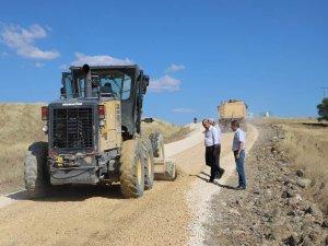 Mazgirt'te grup köy yollarında çalışma