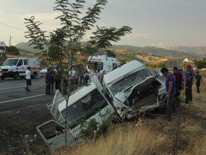 Aktuluk mahallesinde kaza:20 yaralı