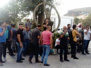 Taşıma ücretine tepki gösteren şoförlerden protesto