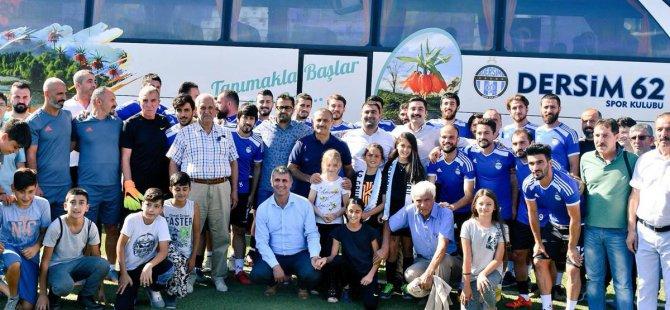 Vali Sonel, Dersim62spor'a otobüs hediye etti