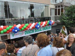 İzmirliler, Dersim'in doğal ürünlerini almak için yarıştı