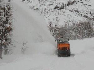 210 köy yolu ulaşıma kapalı