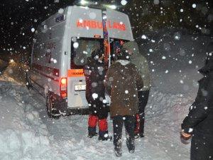 Pülümür ve Ovacık'ta mahsur kalan vatandaşlar kurtarıldı