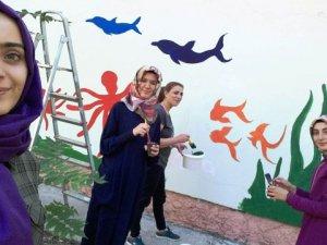 Öğrenci Velisinin Projesiyle Okul Renklendi