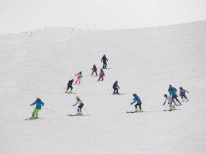 Ovacık Kayak Merkezi ile yeteneklerini keşfediyorlar