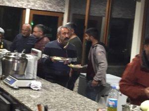Başkan Maçoğlu'ndan çalışma arkadaşlarına yemek servisi