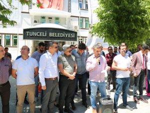 Belediye önünde mobbing açıklaması