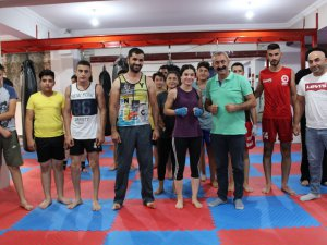 Başkan Maçoğlu'ndan Dersim Kick Box'a ziyaret