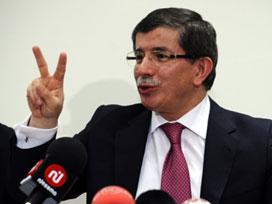 Davutoğlu'ndan Suriyelilere sıcak mesaj