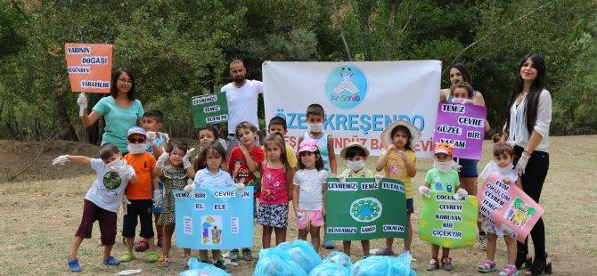 Çocuklar temiz çevre için çöp topladı