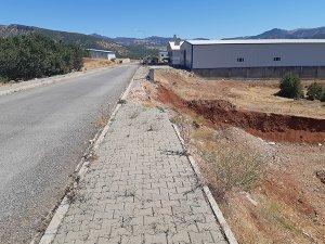 TOKİ yolu onarılmayı bekliyor!