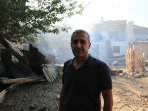 Pertek'te ev yangını
