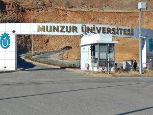 """""""Munzur Üniversitesi Rektörü şoförünü İletişim Fakültesi Sekreterliği'ne atadı"""" iddiası"""