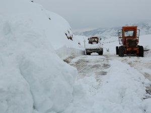 70 köy yolu kardan dolayı kapalı