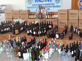 Niğde'de 3 bin 500 şişe kaçak viski ele geçti