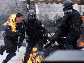 Yunanistan'daki olaylarda: 30 yaralı