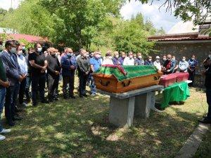 Havuzda ölü bulunan anne ile çocukları toprağa verildi