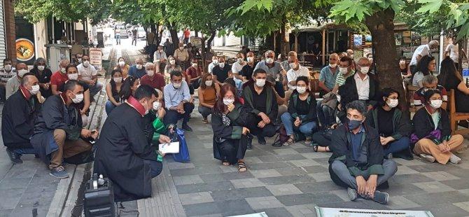"""Avukatlar """"çoklu baro""""yu protesto etti"""