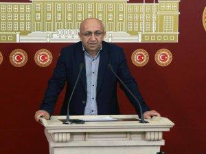 Milletvekili Önlü, üniversitede  usulsüzlük iddialarını  sordu