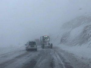 52 köy yolu kar nedeniyle ulaşıma kapandı
