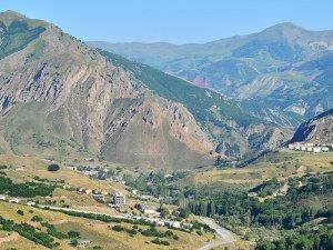 Pülümür'de bir köy karantinaya alındı