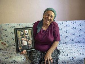 Anne Güllü, evladına kavuşmanın mutluluğunu yaşıyor