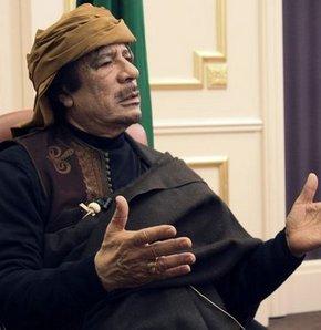 Kaddafi acil ateşkeste ısrarlı