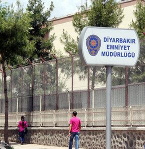 Diyarbakır polisi kendini korumaya aldı