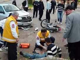 Otomobil motosikletle çarpıştı: 1 ölü