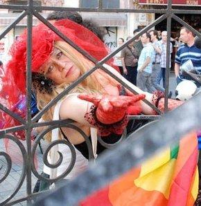Eşcinseller yürüdü - GALERİ