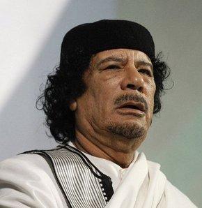 Kaddafi vazgeçmiyor
