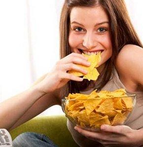 Yağsız besinler de kilo aldırabilir!