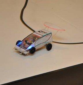 Lise öğrencileri iki haftada robot yaptı!