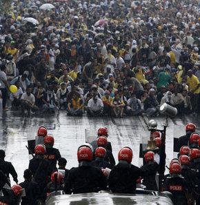 Malezya'da 54 yıllık iktidara isyan - GALERİ