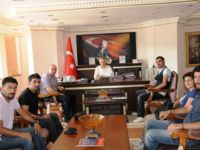 """"""" Tunceli Üniversitesi AKUT Öğrenci Topluluğu"""" Vali Taşkesen'i Ziyaret Etti"""
